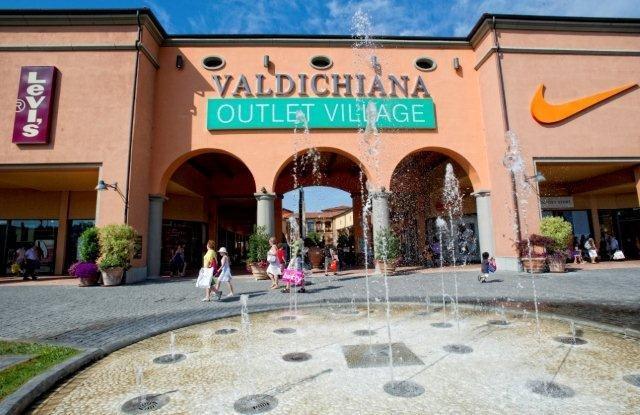 Valdichiana outlet village arezzo - Outlet della piastrella milano ...