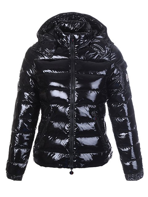 dove si trova outlet moncler