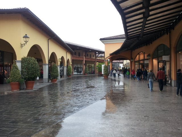 Una vista del Franciacorta Outlet Village